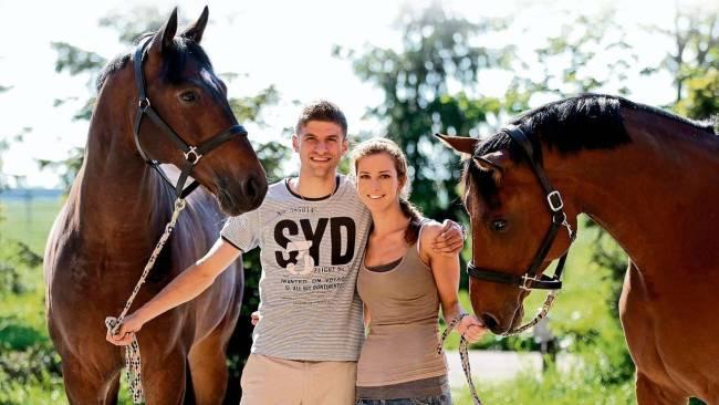 穆勒:欧冠决赛前夜我给丽萨买了一匹马