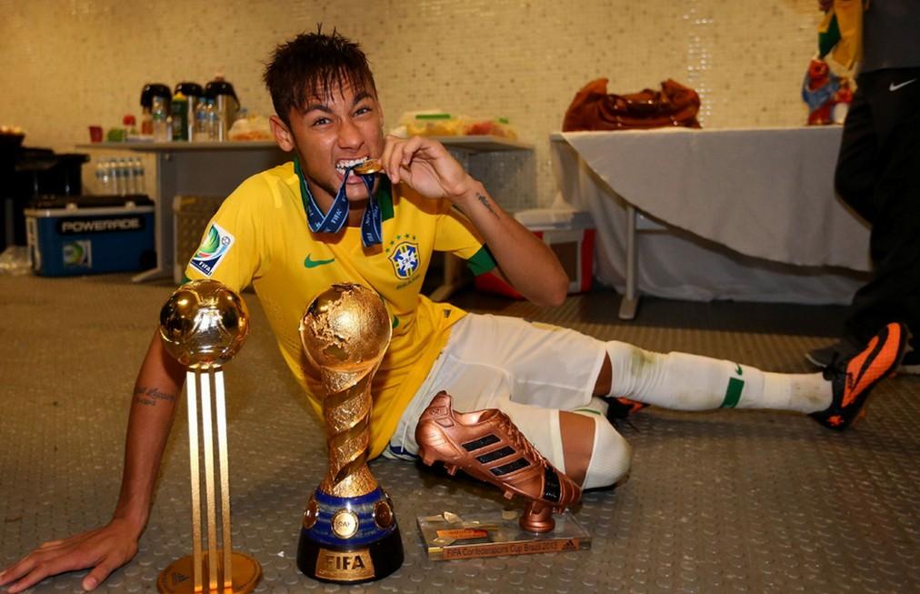 足球球星_足球明星海报_足球世界海报_贝克汉姆足球海