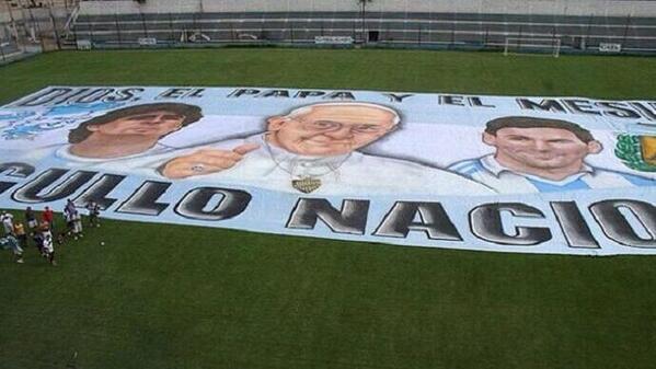 图片:阿根廷的世界杯横幅,左起.