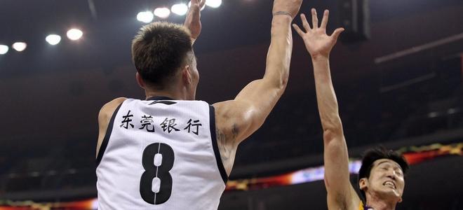 朱八得分破万,王仕鹏:他是年轻人的榜样!图片