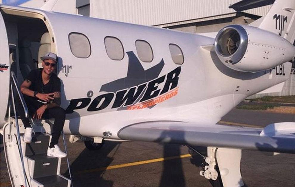 巴西法院扣押内马尔游艇和私人飞机