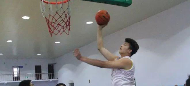 吉林2.23米小将姚皓焱迎首秀