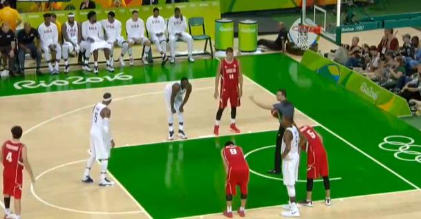 美国男篮险胜塞尔维亚取得四连胜