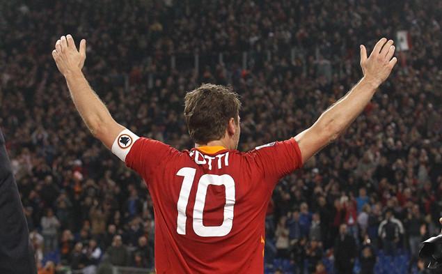 迪纳塔莱:罗马应该让10号球衣退役