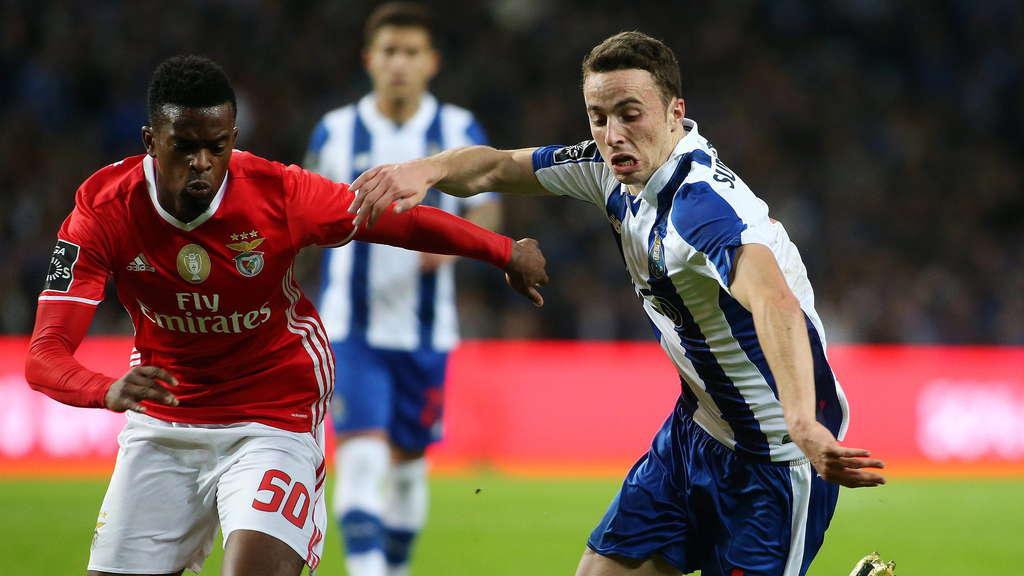 葡萄牙媒体报道称,拜仁慕尼黑正在考察本菲卡右后卫尼尔森-塞梅多