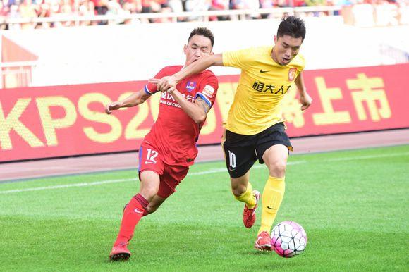 作为一名重庆籍球员,徐小波自2010年进入力帆一线队后,便一直效力