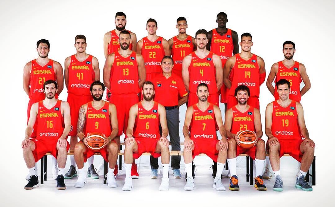 卢比奥公布西班牙国家队集体照