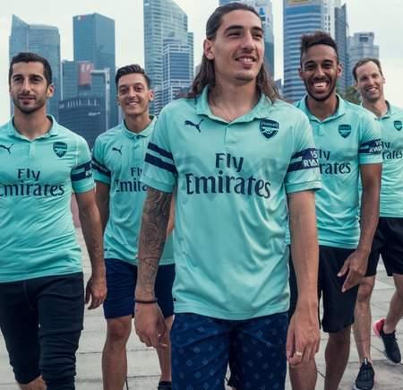 [流言板]官方:阿森纳发布新赛季第三套球衣