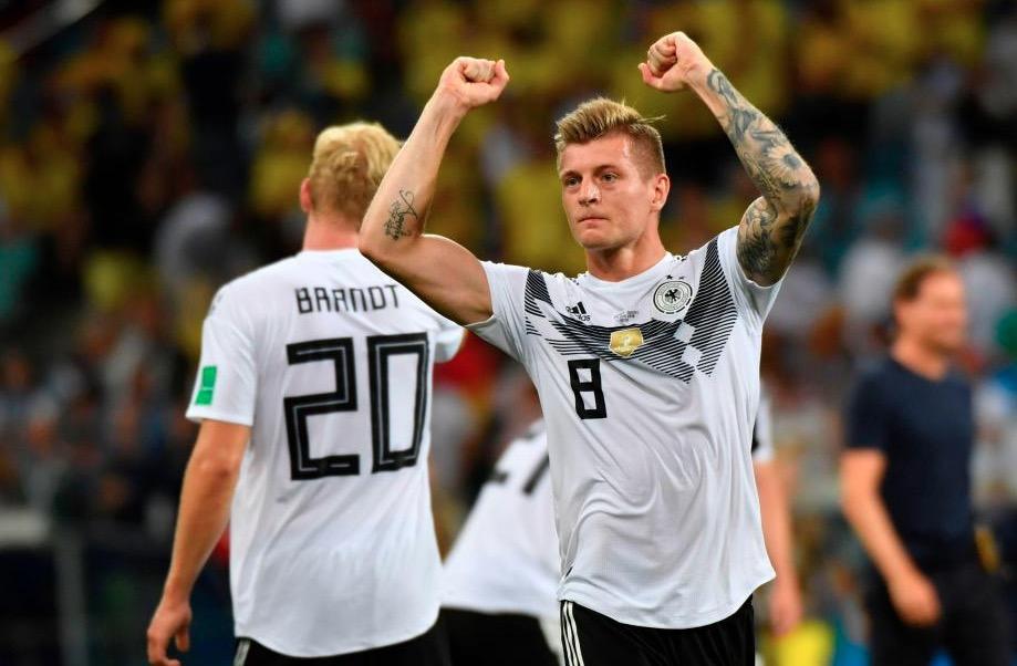 官方:克罗斯当选德国年度球员,海因克斯当选德国年度教练