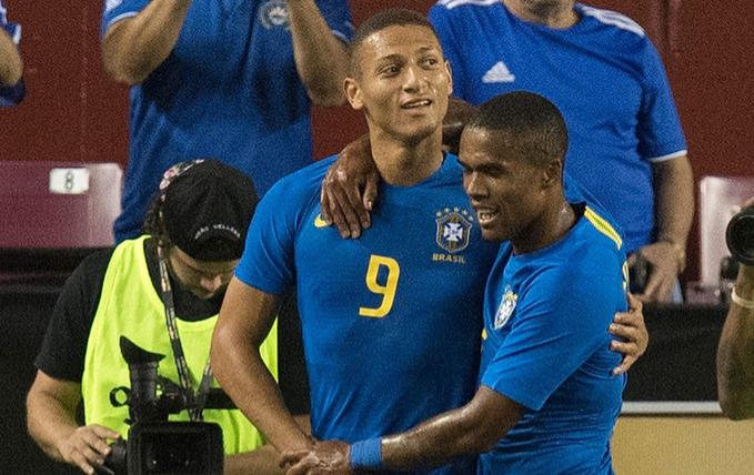 理查利森:为巴西国家队进球是梦想成真的时刻