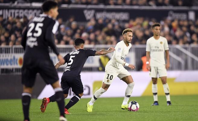 内马尔破僵+伤退姆巴佩破门,巴黎客场2-2波尔多