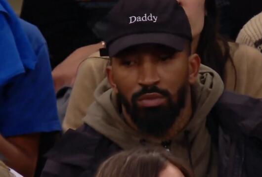 不止是甜瓜!JR-史密斯现身观看尼克斯热火比赛