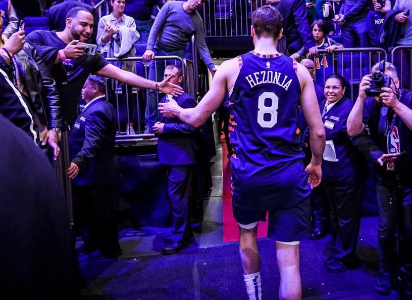 海佐尼亚感谢尼克斯球迷支持:我仿佛就出生在这里 NBA新闻 第1张