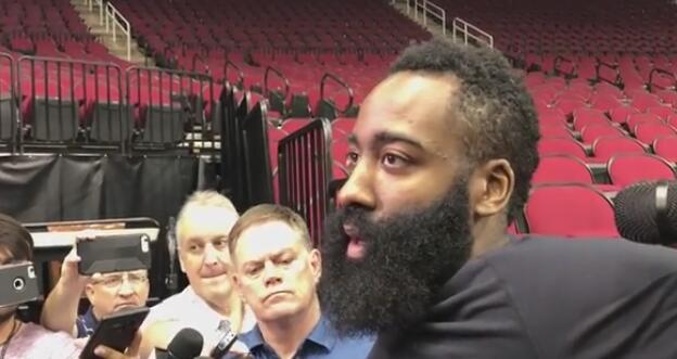 哈登:塔克给球队带来拼劲,戈登对我们来说很重要
