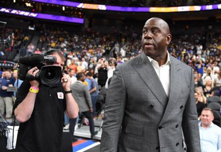 魔术师:魔术和篮网震惊了对手,勇士打得像总冠军 NBA新闻