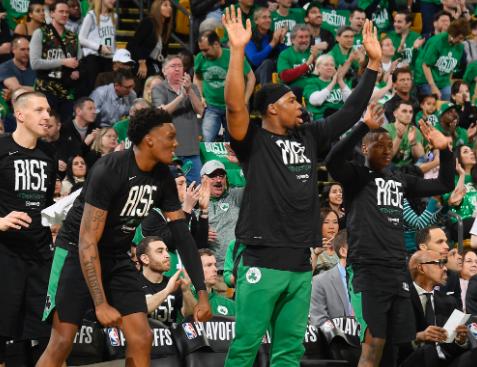 凯尔特人近25次季后赛得分低于85分时2胜23负 NBA新闻