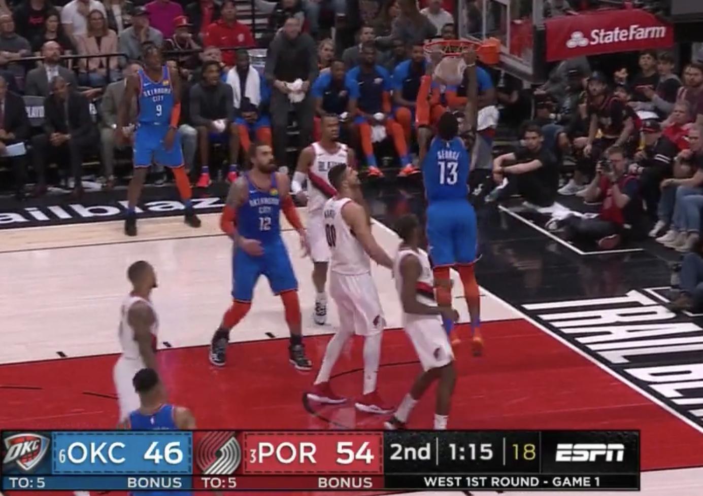 威少炮弹直传一针见血,乔治双手重扣一飞冲天 NBA新闻