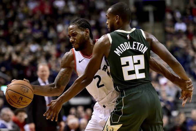米德尔顿:一个人防不了伦纳德,他真的是太棒了 NBA新闻