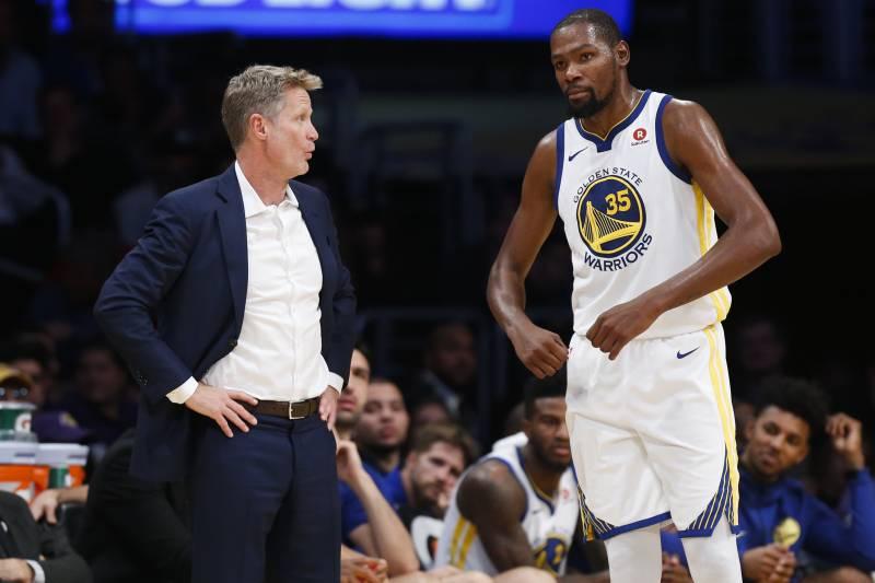科尔:医生比赛前告诉我们,杜兰特不会因为复出而伤得更重 NBA新闻