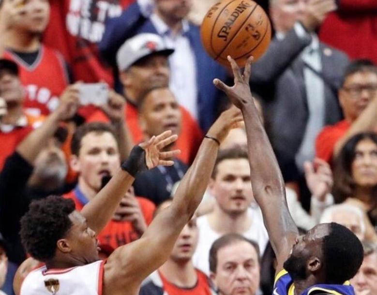 美媒发布高清细节图:洛瑞最后一攻被格林指尖封盖 NBA新闻 第1张