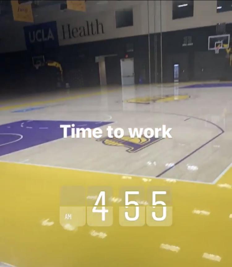 [虎]早起锻炼!詹姆斯不到凌晨5点来到球馆训练