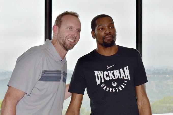 [虎]篮网总经理:KD在与我们通话或会面前就发布了加盟消息 NBA新闻