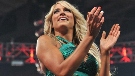 美国摔角界最性感女神告别,退役后全力投身演艺圈