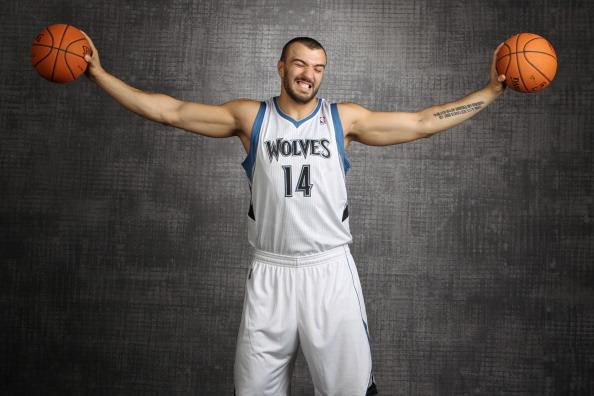 佩科维奇:新赛季会有所不同,我想留在森林狼