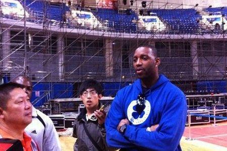 麦迪称赞青岛新主场:很有NBA的感觉