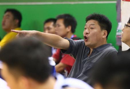 李春江大发雷霆,要求队员用心对待比赛