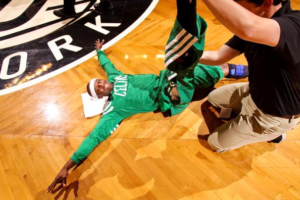 特里:防朗多很累,他的跳投比我想象的更好
