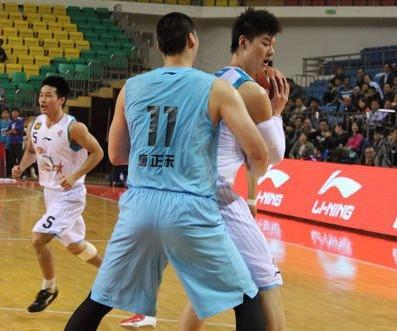 王哲林:唐正东像一堵墙,攻他必须跑起来