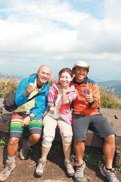 励志!台湾四肢截肢女生勇登雪山