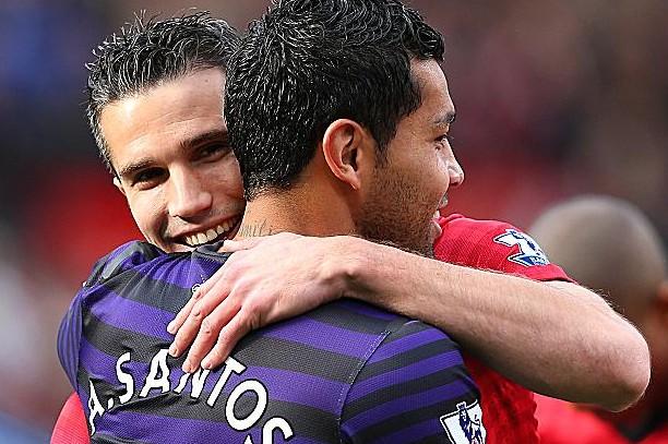桑托斯:换球衣是范佩西点子,我俩仍是朋友