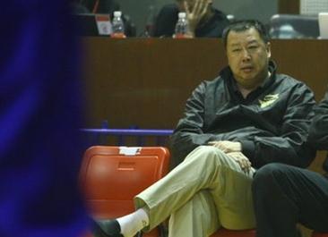 吴庆龙:卢伟经验丰富,季前赛输赢不是重点