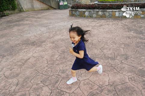 4岁幼童跑3000米,体能专家:兴趣为主