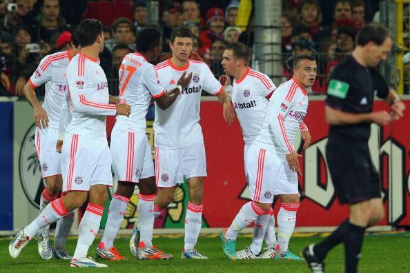 穆勒点球破门,拜仁2-0胜10人弗赖堡