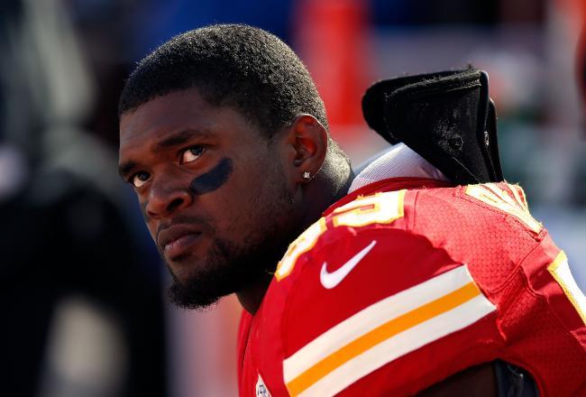 NFL球员杀死女友后,在主教练面前自杀