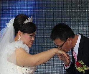 谁娶了唐功红?一个又瘦又高的帅哥