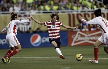 女足美国拉练首战告负,锋无力成难题
