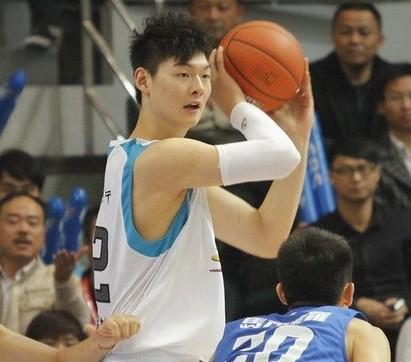 福建洋帅:王哲林进步很大,他还会变得更好