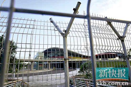 广州亚运城铁网围城,几成死城