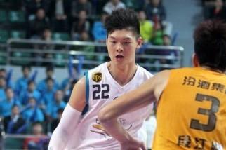 鲍德温:王哲林运球技术比姚明更好