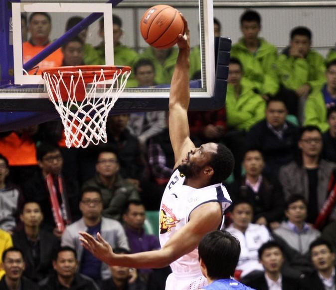 迪奥古26分广东主场胜上海