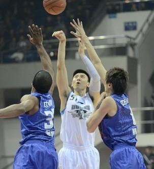 14板!北京大前锋吉喆刷新个人篮板新高