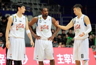 上海球迷喊换邓华德,佛山副总:他们很专业