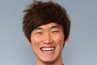 韩国国青队长张贤秀抵京,将签约中超队