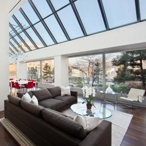 德隆购置豪宅,耗资1580万美元