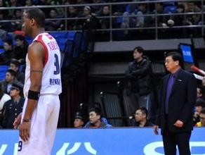 张世璋:遇内线强队总出问题,青岛防守孱弱