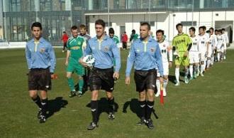 热身-上海东亚0-3罗马尼亚瓦斯路易队